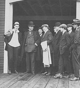 Sir Thomas Lipton, second from left, during his 1912 visit to Seattle Courtesy University of Washington Libraries)